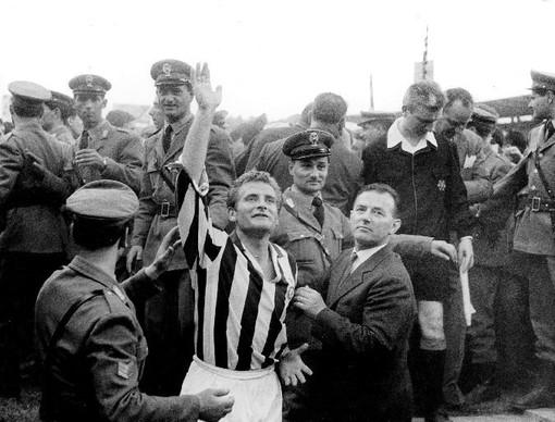 E' morto Giampiero Boniperti, aveva 92 anni: la Juve e il calcio italiano piangono la leggenda bianconera