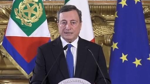 L'annuncio di Draghi: «Green pass europeo pronto a giugno. A metà maggio quello per viaggiare in Italia»