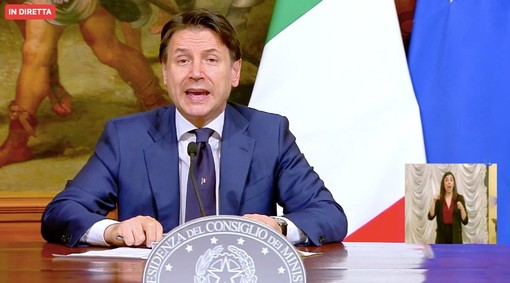 Il sindaco di Samarate scrive a Conte: «Molto spesso, ciò che ordinate nelle direttive si infrange come uno tsunami sulle gente e sui più piccoli»