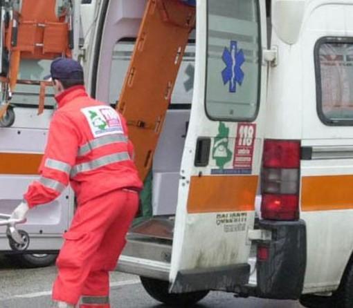 Cardano al Campo, incidente in via D'Annunzio: due persone coinvolte
