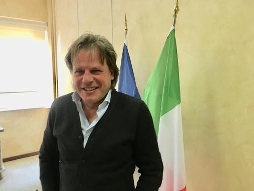 Solbiate Arno, il sindaco Battiston ai commercianti: «Da domani si riapre: sarà dura ma ce la faremo»