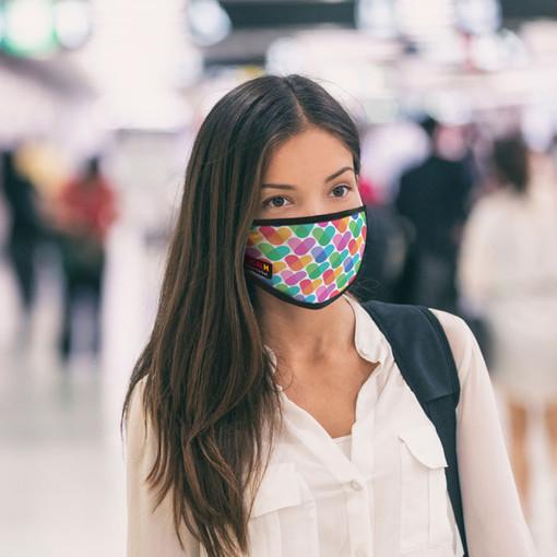 Coronavirus, la Svizzera supera la soglia dei 200 nuovi positivi nelle ultime 24 ore. Si valuta la mascherina obbligatoria nei locali