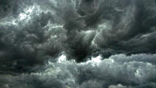 Bertoni: «Tra pomeriggio e sera rovesci importanti e rischio temporali. Domani sole»