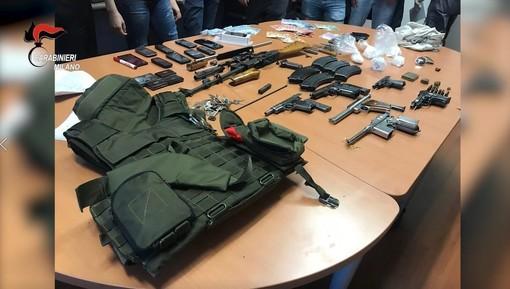 Blitz dei carabinieri di Milano contro narcos e spaccio: 37 arresti. Indagini anche in provincia di Varese