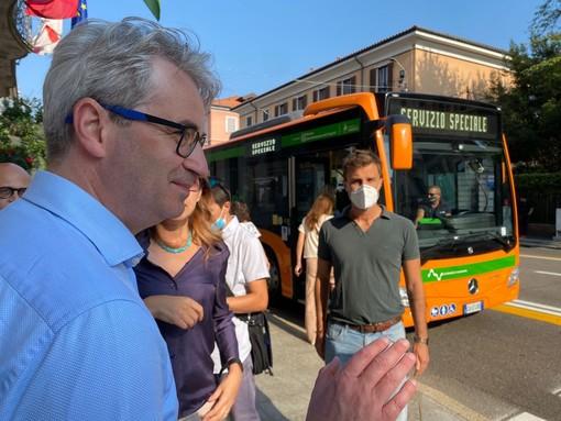 Domenica seconda giornata sul bus ibrido con il sindaco Galimberti