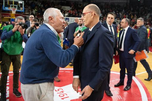 Caja e Bulgheroni discutono nella partita contro Venezia del campionato 2019/2020