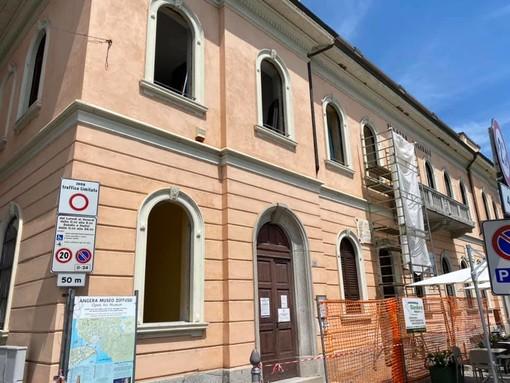 I nidi di uccelli rallentano ma non bloccano il cantiere: ripartiti i lavori al palazzo comunale di Angera