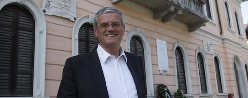 Il sindaco di Angera: «Il rischio infezione da Covid è ancora alto, ogni 12 persone che incontriamo una è stata infetta in passato o è positiva asintomatica»