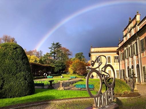 Possibile qualche temporale in serata, ma tornerà presto il sereno. Nella bellissima foto tratta dalla pagina Facebook del Comune di Varese splende un arcobaleno sui Giardini Estensi dopo il temporale