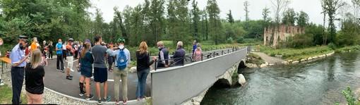 Tanta gente alla pedalata sulla pista lungo il Bardello: «Vogliamo arrivare fino al lago di Varese e al lago Maggiore»