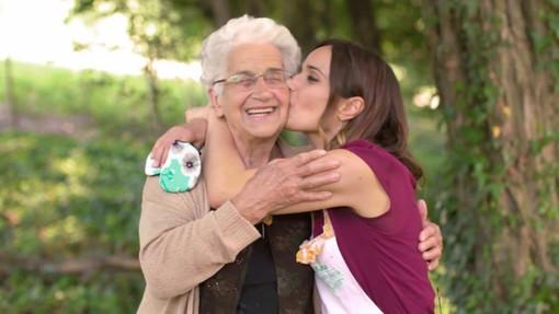 Bake Off Italia 7, l'ottava puntata è dedicata ad Airc e ai fornai. E al fianco della nostra Sara Gandini c'è... nonna Teresina!