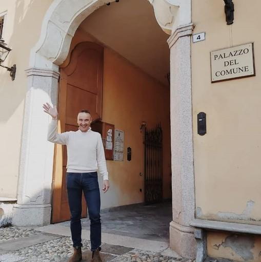 Marco Gaspari saluta i besozzesi