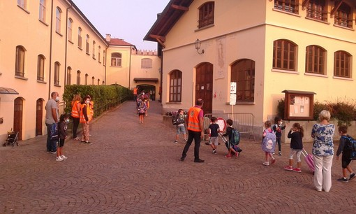 Il sindaco di Comerio promuove a pieni voti i primi giorni di scuola