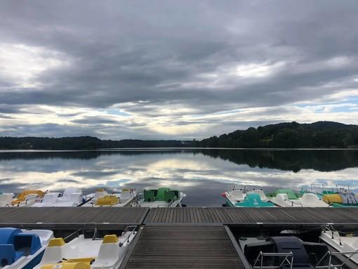 FOTO. Lo spettacolo della natura offerto dal lago di Monate