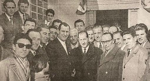 Foto storica del Circolo di Premezzo con Gino Bartali negli anni 50