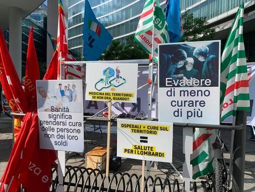 Sindacati lombardi ancora in piazza a Milano per la sanità: «La rete lombarda di sorveglianza epidemiologica non era preparata»