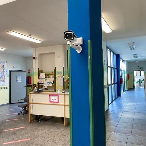 Scuola anti Covid a Cadrezzate: due termo scanner fissi per misurare la temperatura ai bambini