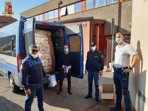 """Colombe di Pasqua e mascherine """"Made in Casciago"""": gli auguri speciali di polizia di Stato e 112"""