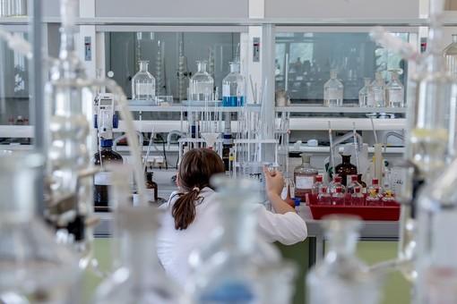 Il settore chimico varesino fa fatica e punta sulla sostenibilità ambientale