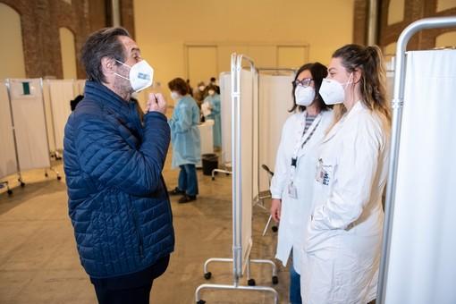 Fontana: «La Lombardia ha somministrato 2.072.000 dosi. Completati gli over 80»