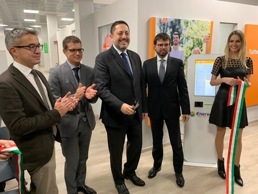 Enerxenia inaugura i nuovi sportelli in centro Varese: «Ancora più vicini ai nostri clienti»