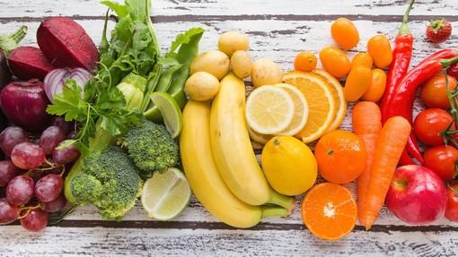 Cresce in provincia di Varese la spesa all'aria aperta: con il caldo boom di frutta e verdura all'Agrimercato