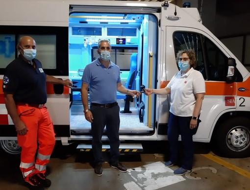"""Trasportava malati Covid, ora torna alla base: missione compiuta per l'ambulanza """"Alfa 2"""""""