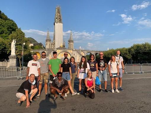 MISSIONE COMPIUTA. Gli otto pellegrini della Fondazione Piatti che da Varese sono arrivati a Lourdes in bicicletta