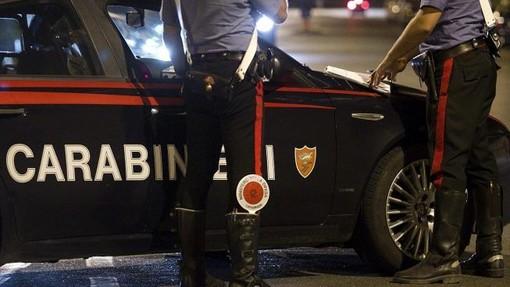 Colpi di citofono nel cuore della notte: intervengono i carabinieri