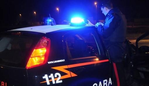 Automobilista varesino nei guai: si mette al volante dopo aver bevuto e fa un incidente in via Bixio