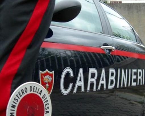 Lite tra ex coniugi per l'affido della figlia: intervengono i carabinieri