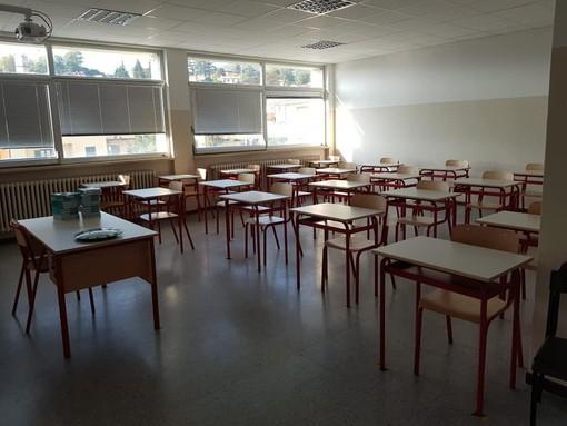 """Dalle elementari alle superiori: partito anche a Gavirate l'anno scolastico. Il Comune: «Oggi siamo tutti """"primini""""»"""
