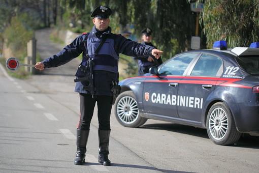 Altro che regole anti Coronavirus, scoperti dai carabinieri mentre giocano a biliardo: tre denunciati