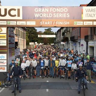 """Ivan Basso presenta la Granfondo Tre Valli Varesine-Eolo del 3 ottobre: «Una gara che sento mia, immersa nella provincia """"dei laghi""""»"""