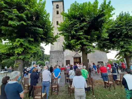 Gemonio, la Messa all'aperto a San Pietro per turisti e ciclisti