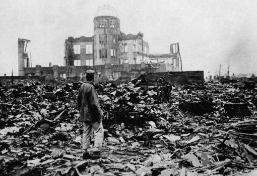 Busto ricorda le vittime di Hiroshima e Nagasaki con una pianta di Paulownia