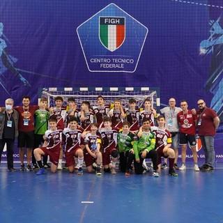 La formazione under 17 maschile di Cassano (foto, come quella in fondo all'articolo, con la squadra femminile, di Davide Bianchi)