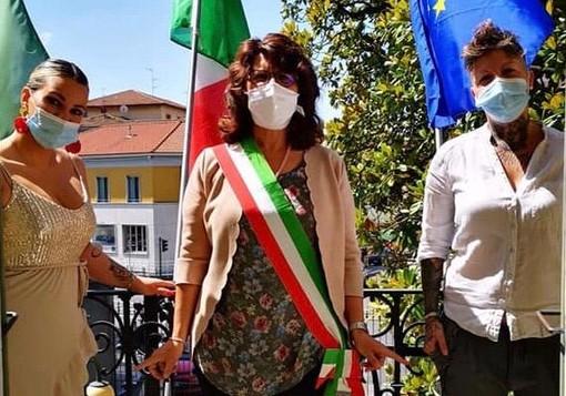 Il sindaco Bellifemine celebra l'unione civile di Valentina e Ornella: «Vi auguro buon futuro»
