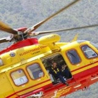 Doppio incidente in moto sulle strade della provincia: elisoccorso in azione a Monvalle, diciannovenne ferito a Busto