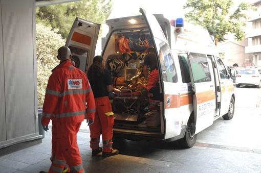 Varano Borghi, cade dalla bicicletta: sessantatreenne finisce al pronto soccorso