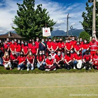La Croce Rossa di Luino compie 35 anni: una corona d'alloro per gli operatori sanitari morti durante l'emergenza