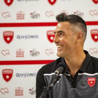 Il sorriso di Luis Scola: la stella argentina è un nuovo giocatore della Pallacanestro Varese (servizio fotografico a cura di Alessandro Galbiati)