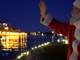 Sesto Calende, la magia delle Feste: l'arrivo di Babbo Natale atteso sul Ticino