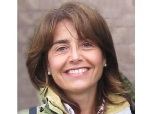 """Gavirate: il grazie della """"sua"""" scuola alla professoressa Marina Raineri"""