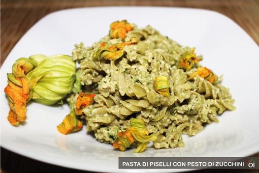 MercoledìVeg di Ortofruit: oggi prepariamo pasta di piselli con pesto di zucchini
