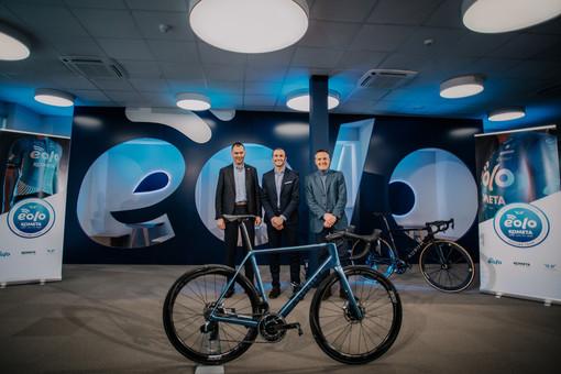 Da sinistra Giacomo Pedranzini, Ivan Basso e Luca Spada alla presentazione del team Eolo-Kometa