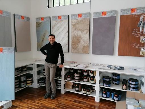 Maurizio Vassallo, titolare di My Color, è orgoglioso e soddisfatto della sua nuova attività