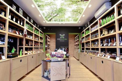 AlpiFOOD Magazine - Neronatura: a Torino o via web, le migliori qualità di frutta secca, spezie e tè a filiera corta