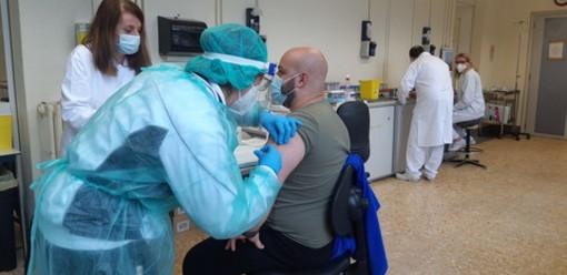 Coronavirus, in provincia di Varese 34 nuovi contagi. In Lombardia 284 casi e 5 vittime