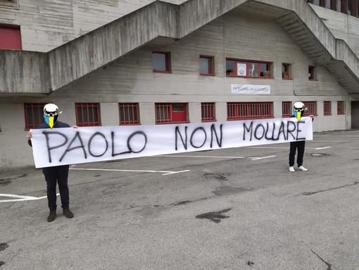 HOCKEY. «Paolo non mollare... in console devi tornare»: i Ragazzi della Nord lottano insieme a un grande Mastino